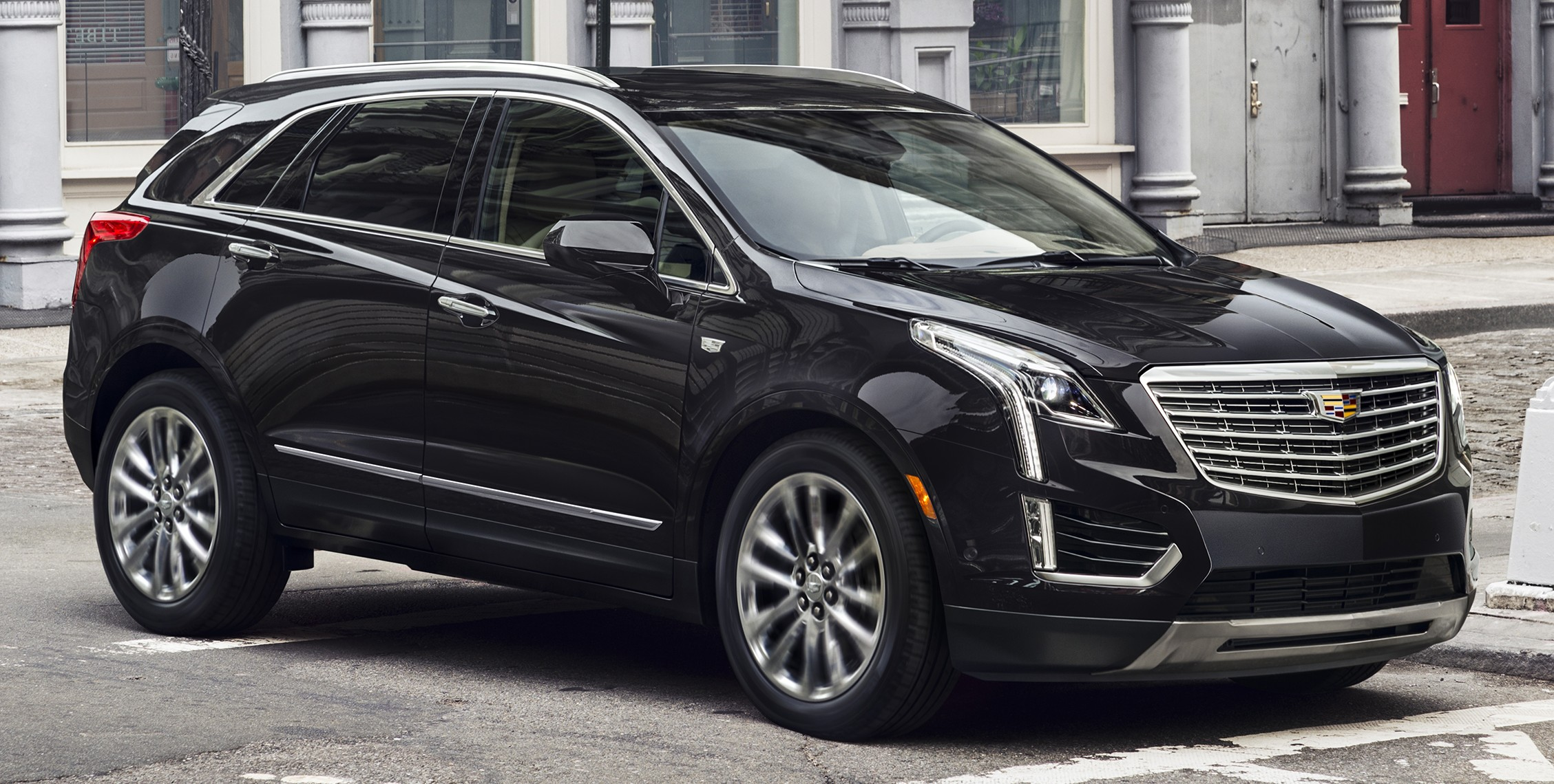 la 2015 cadillac xt5 officially revealed prior to debut. Black Bedroom Furniture Sets. Home Design Ideas