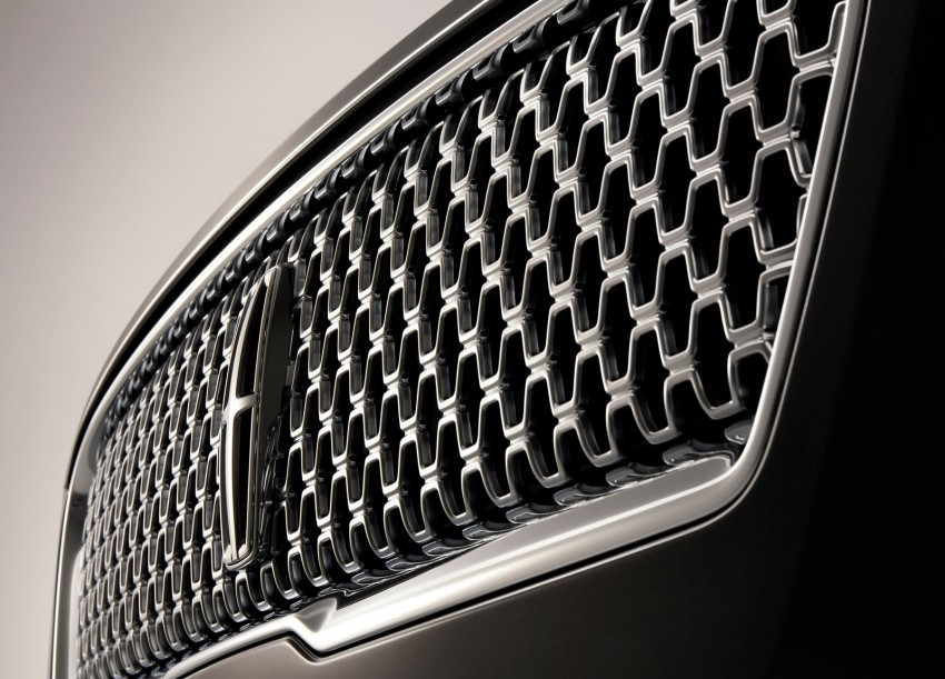 LA 2015: 2017 Lincoln MKZ, now with 400 hp turbo V6 Image #410761