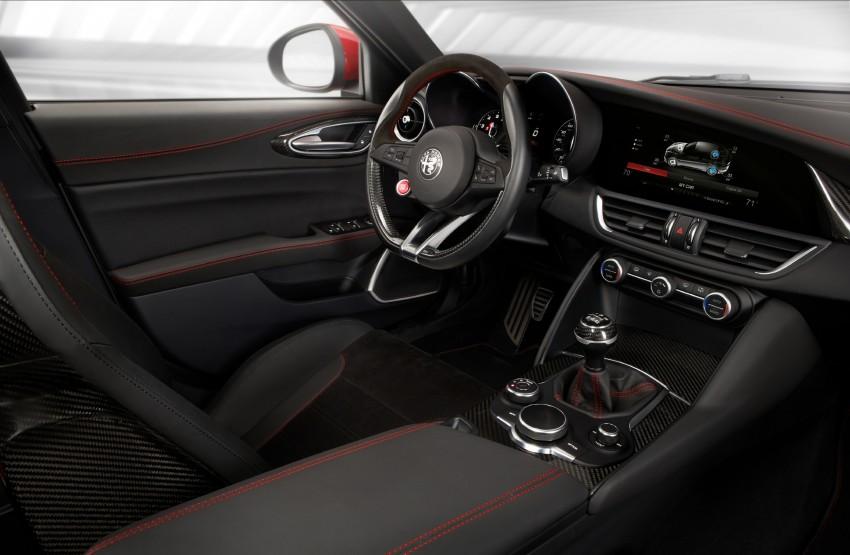 2017 Alfa Romeo Giulia Quadrifoglio fully detailed, 505 hp/600 Nm sedan set to make US debut in Q2 2016 Image #409129
