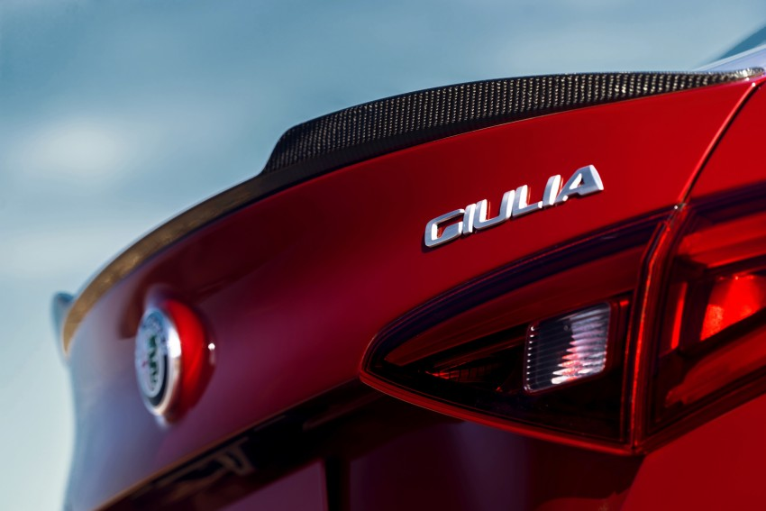 2017 Alfa Romeo Giulia Quadrifoglio fully detailed, 505 hp/600 Nm sedan set to make US debut in Q2 2016 Image #409141