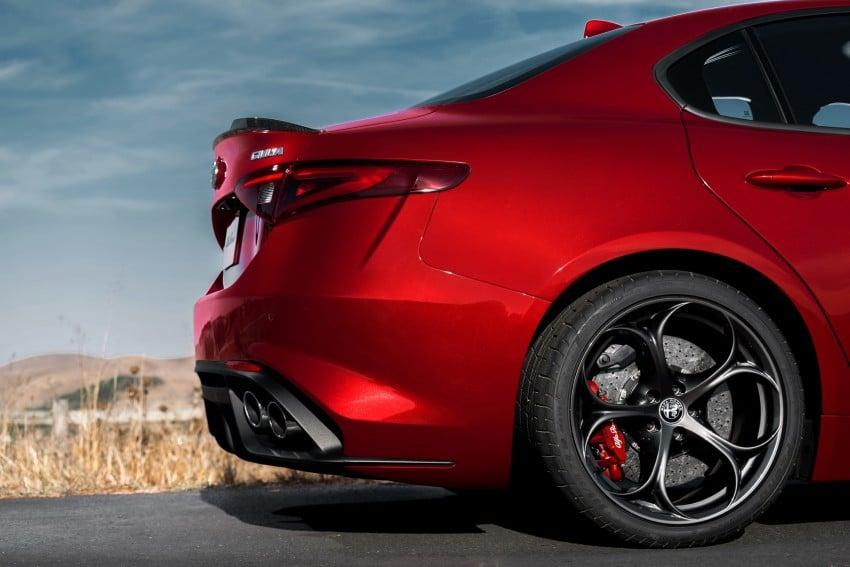 2017 Alfa Romeo Giulia Quadrifoglio fully detailed, 505 hp/600 Nm sedan set to make US debut in Q2 2016 Image #409145
