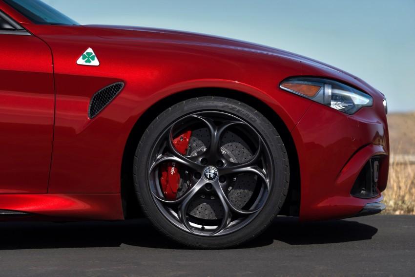 2017 Alfa Romeo Giulia Quadrifoglio fully detailed, 505 hp/600 Nm sedan set to make US debut in Q2 2016 Image #409151