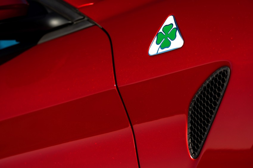 2017 Alfa Romeo Giulia Quadrifoglio fully detailed, 505 hp/600 Nm sedan set to make US debut in Q2 2016 Image #409153
