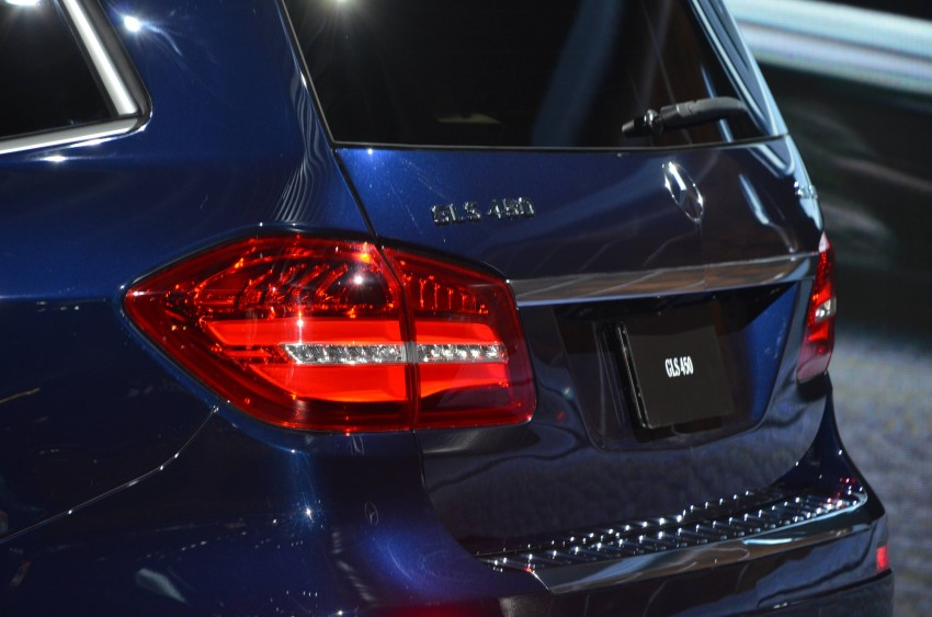 Mercedes-Benz GLS debuts – the S-Class among SUVs Image #411090
