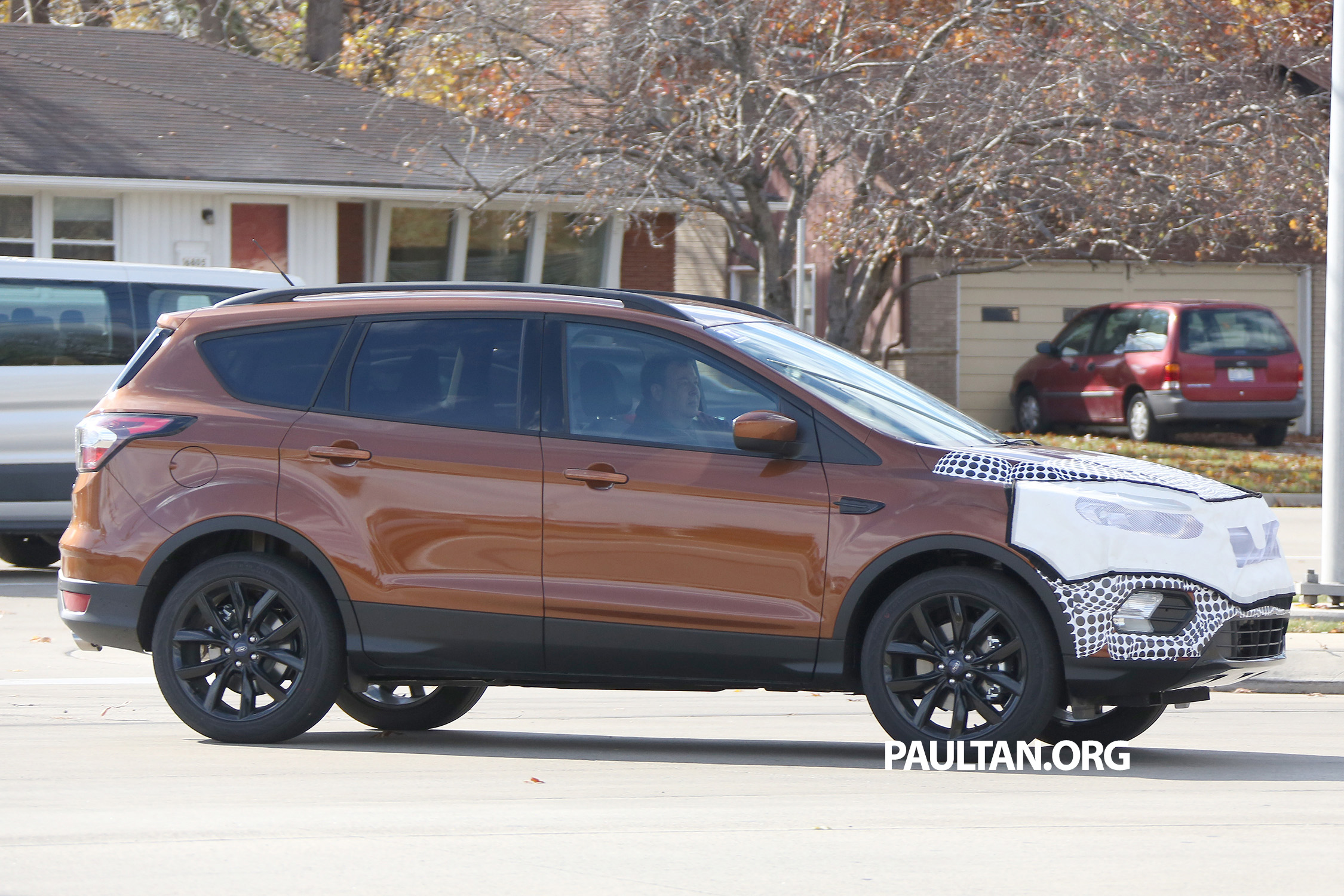 spyshots c520 ford kuga facelift a clearer view image. Black Bedroom Furniture Sets. Home Design Ideas