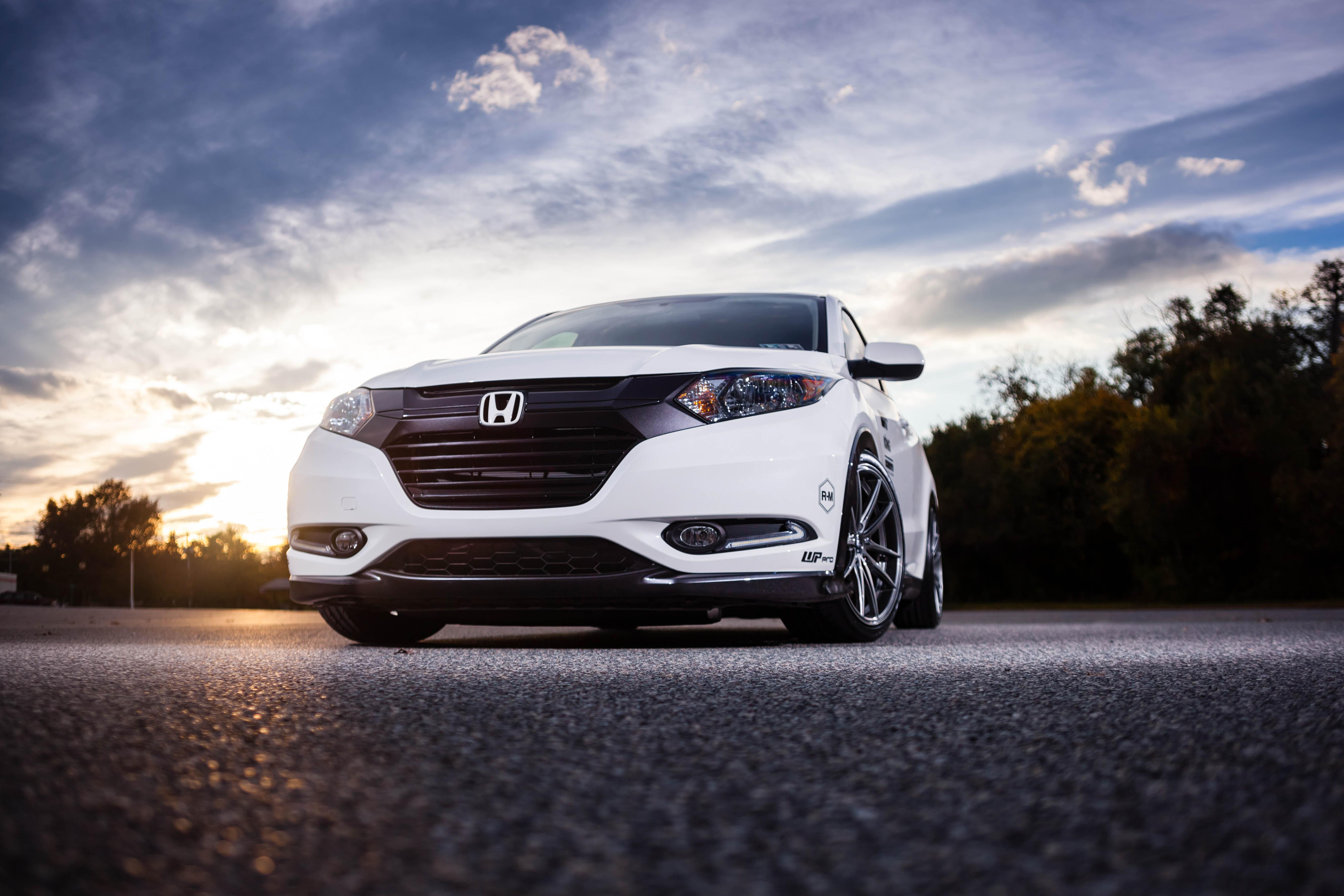 ... 2017 Honda Civic, facelifted CR-Z, Pilot and Pioneer 1000 at SEMA