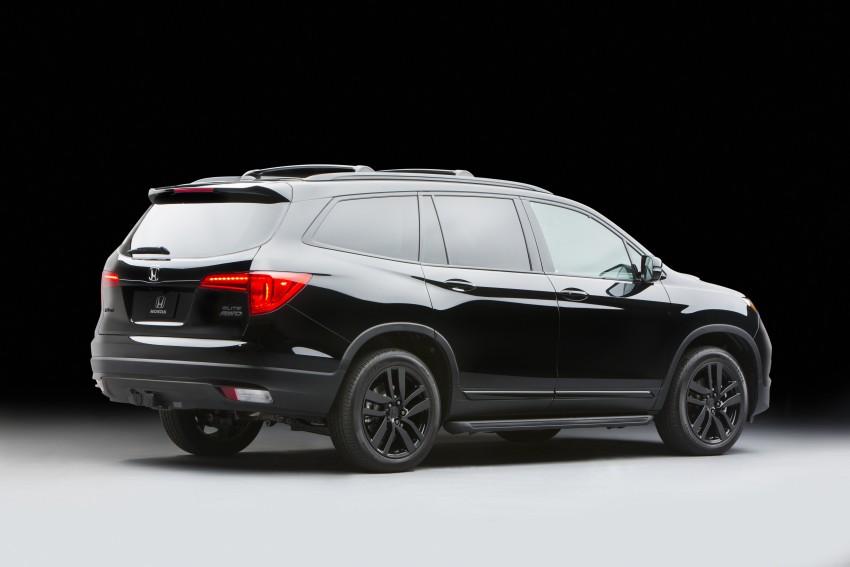 honda displays custom hr vs alongside 2017 honda civic facelifted cr z pilot and pioneer 1000