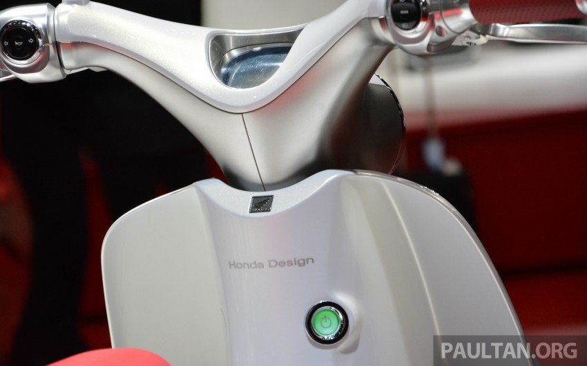Tokyo 2015: Honda Super Cub Concept and EV Cub Concept – leading the parade of two-wheelers Image #402406