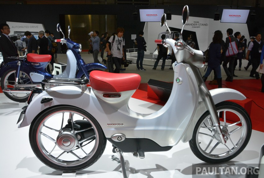 Tokyo 2015: Honda Super Cub Concept and EV Cub Concept – leading the parade of two-wheelers Image #402387