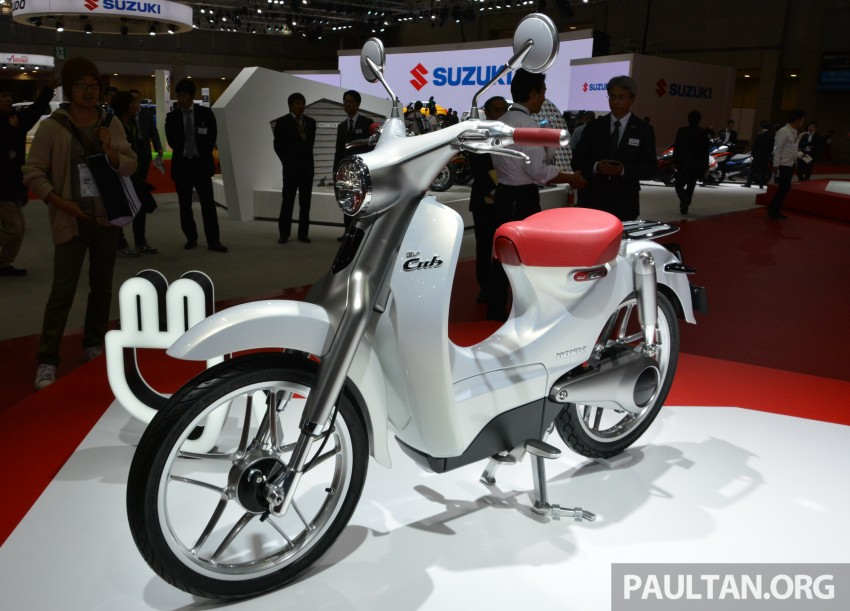 Tokyo 2015: Honda Super Cub Concept and EV Cub Concept – leading the parade of two-wheelers Image #402388