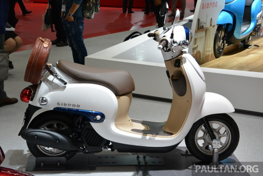 Tokyo 2015: Honda Super Cub Concept and EV Cub Concept – leading the parade of two-wheelers Image #402415