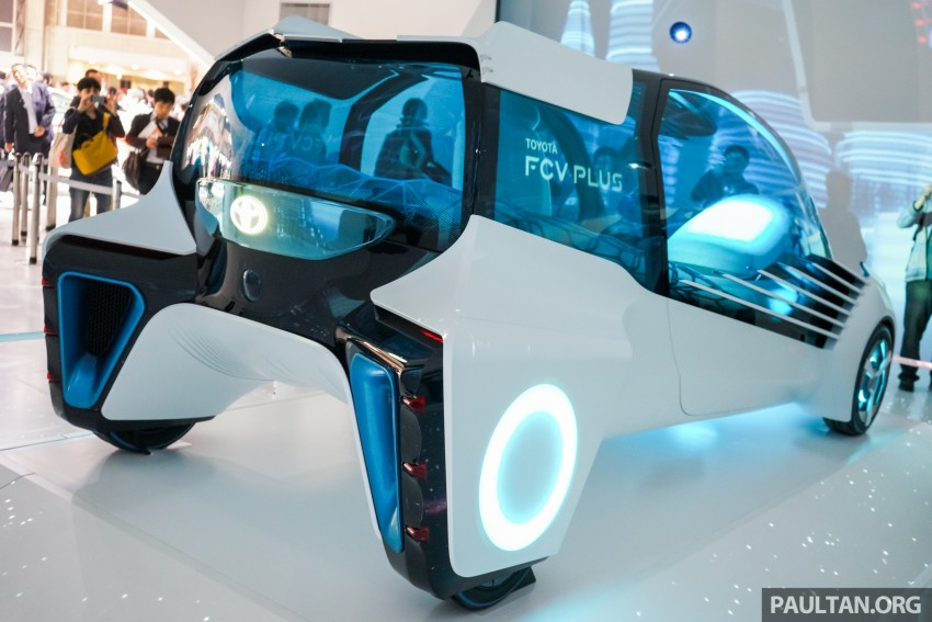 Tokyo 2015: Toyota FCV Plus says sharing is caring Image #404475