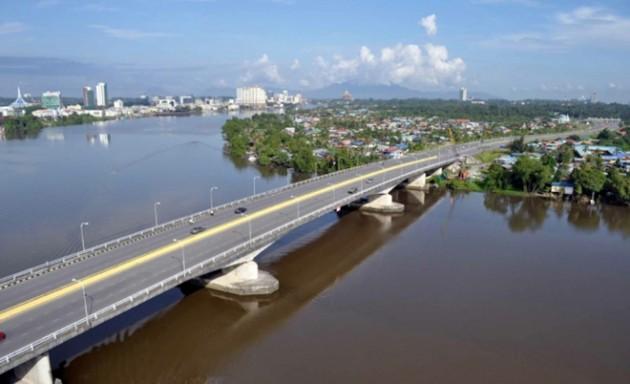 Tuin-Salahuddin-Bridge-2010-640x390