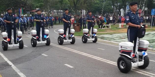 Vigour-Off-Road-Series-electric-chariot-DBKL-01