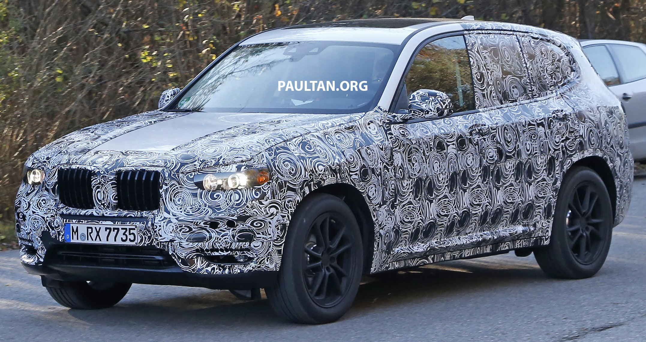 spied g01 bmw x3 tries production body on for size. Black Bedroom Furniture Sets. Home Design Ideas