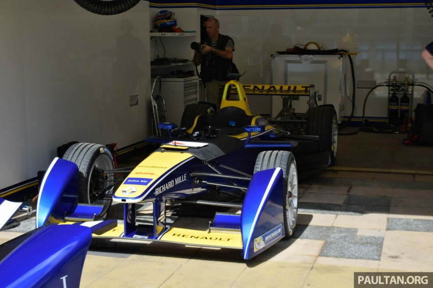Formula E is in town this weekend; Renault e.dams and its Z.E. 15 aims for pole position in Putrajaya Image #404511