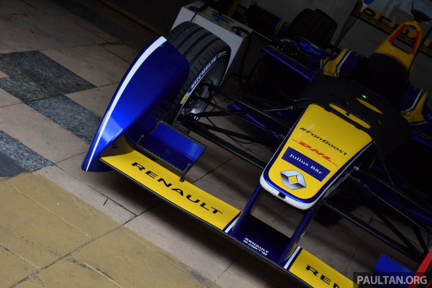 Formula E is in town this weekend; Renault e.dams and its Z.E. 15 aims for pole position in Putrajaya Image #404523