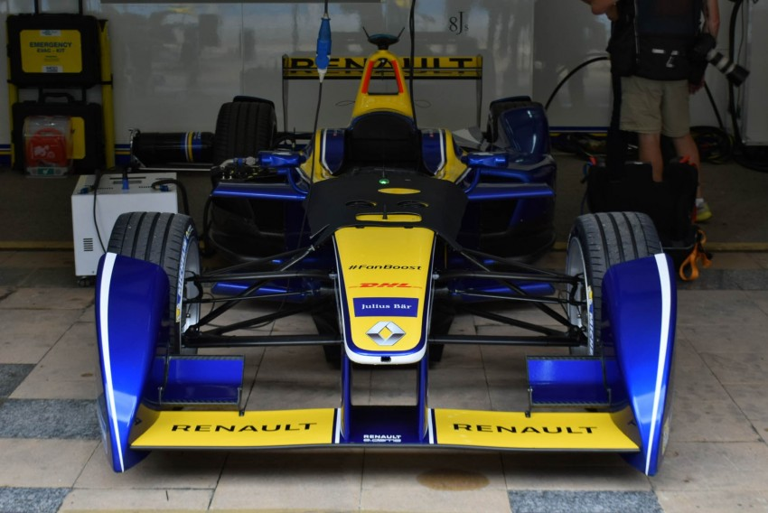 Formula E is in town this weekend; Renault e.dams and its Z.E. 15 aims for pole position in Putrajaya Image #404524