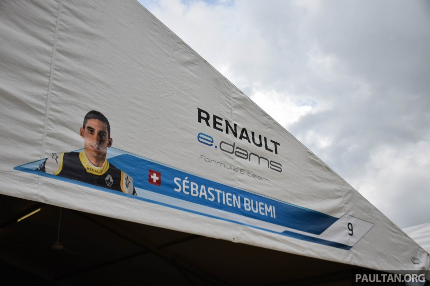 Formula E is in town this weekend; Renault e.dams and its Z.E. 15 aims for pole position in Putrajaya Image #404526
