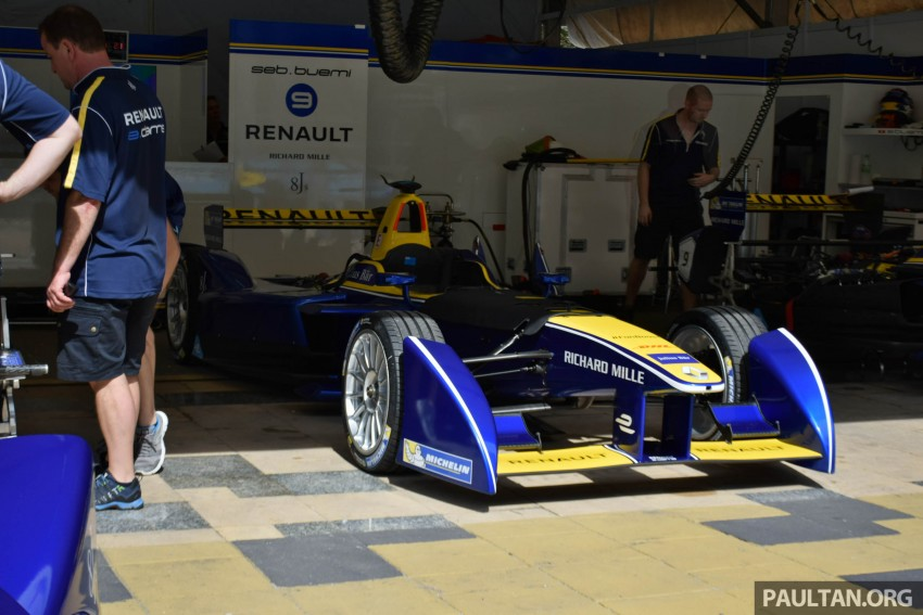 Formula E is in town this weekend; Renault e.dams and its Z.E. 15 aims for pole position in Putrajaya Image #404512
