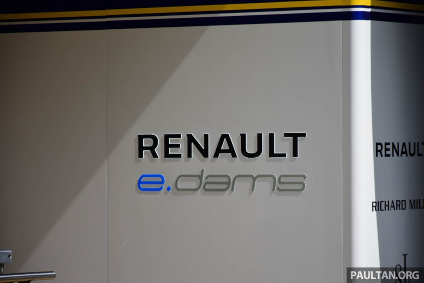 Formula E is in town this weekend; Renault e.dams and its Z.E. 15 aims for pole position in Putrajaya Image #404515