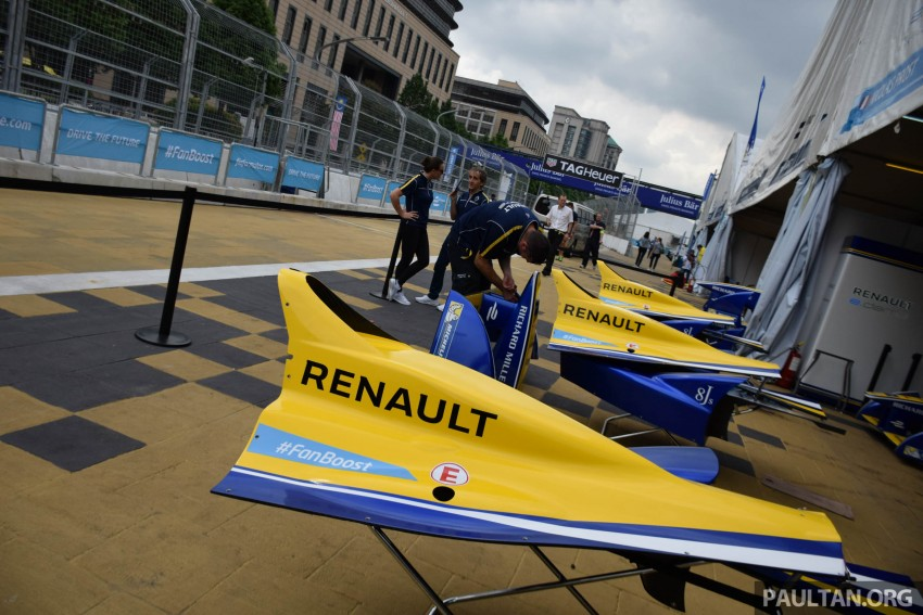 Formula E is in town this weekend; Renault e.dams and its Z.E. 15 aims for pole position in Putrajaya Image #404520