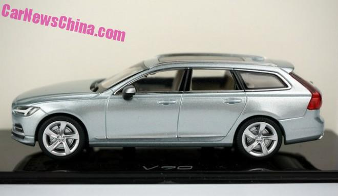 Volvo V90 model appears in new Liquid Blue colour Image #400850