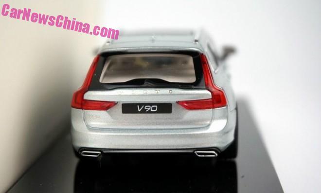Volvo V90 model appears in new Liquid Blue colour Image #400852