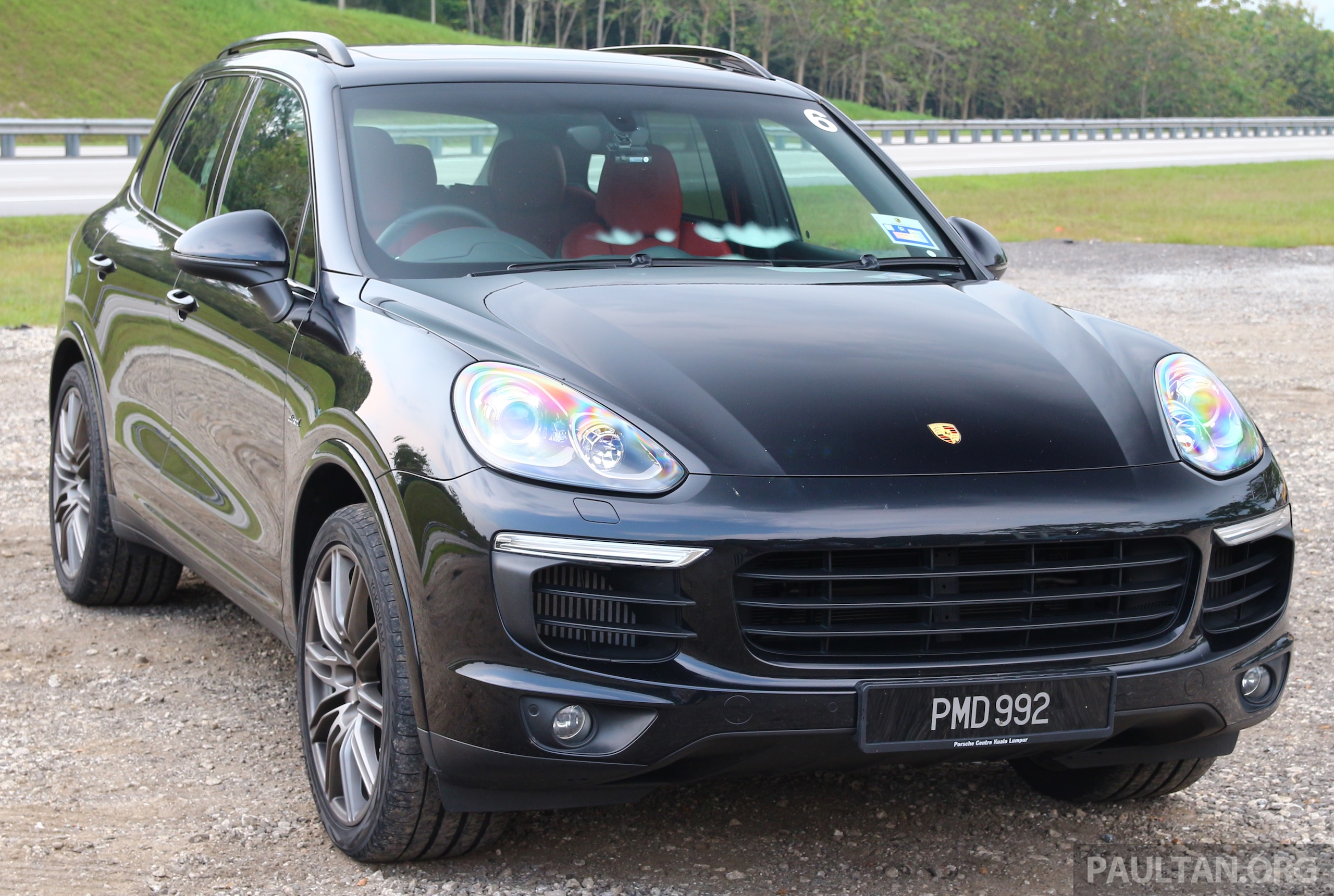 driven porsche cayenne facelift to johor and back image 420806. Black Bedroom Furniture Sets. Home Design Ideas
