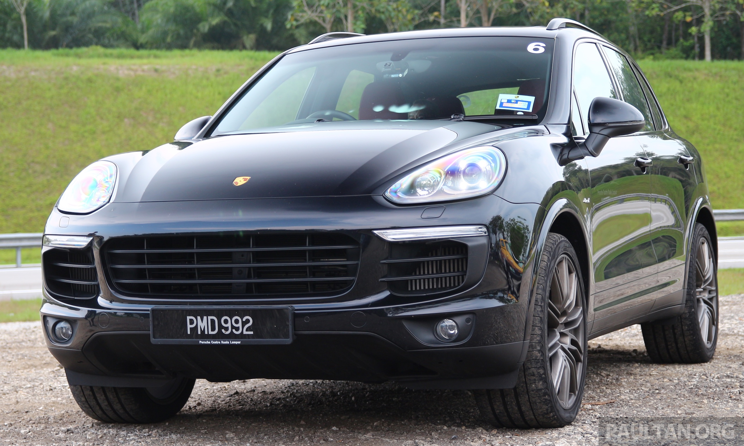 driven porsche cayenne facelift to johor and back image 420808. Black Bedroom Furniture Sets. Home Design Ideas