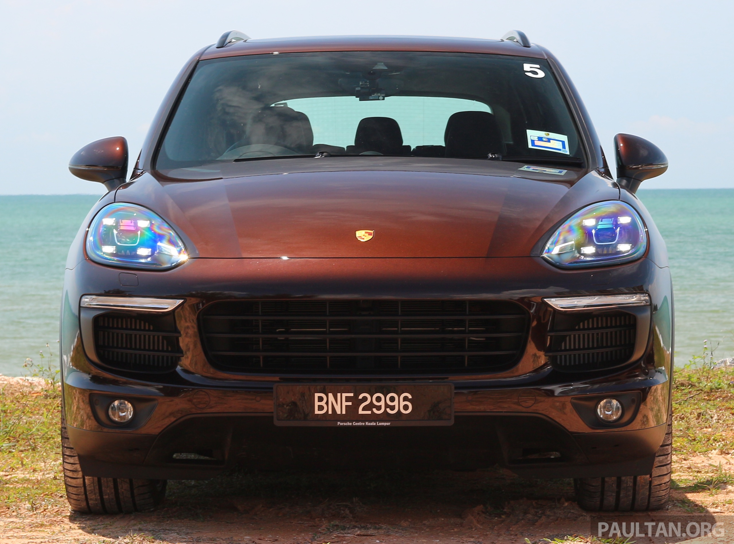 driven porsche cayenne facelift to johor and back image 420737. Black Bedroom Furniture Sets. Home Design Ideas