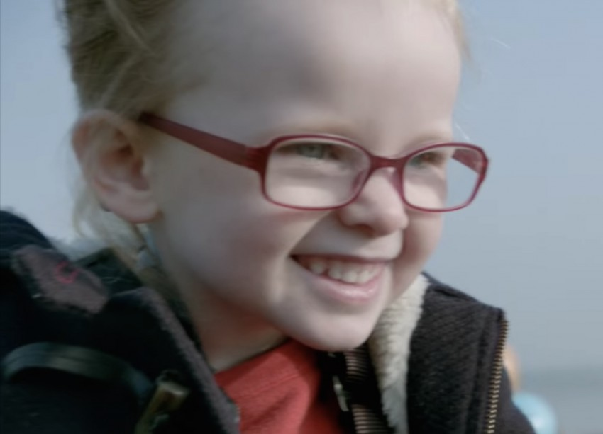VIDEO: Volvo FMX truck vs Sophie, the four-year-old Image #416400