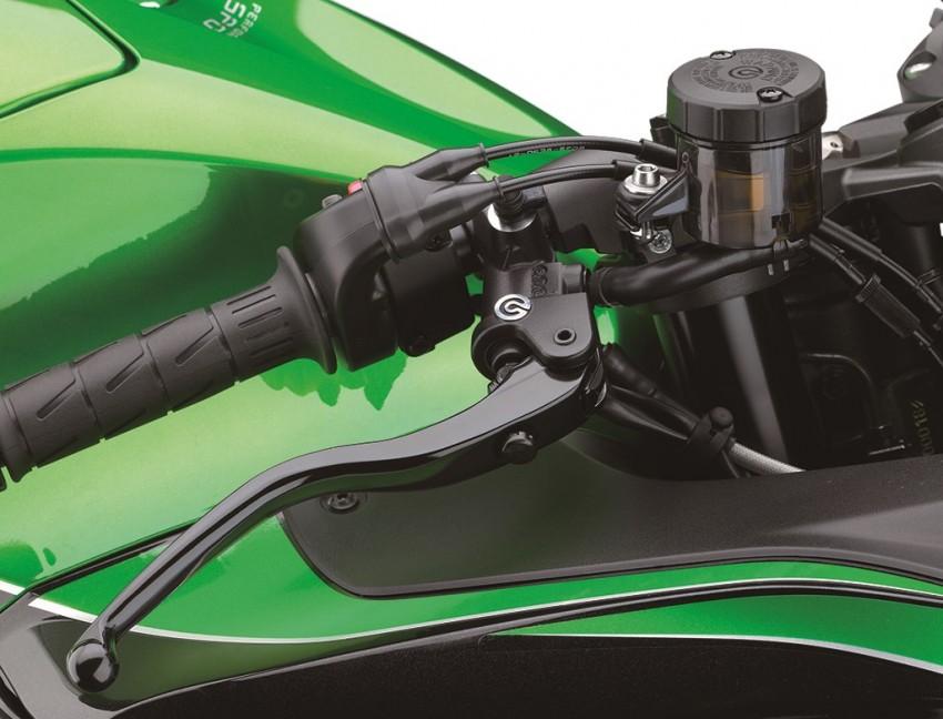 2016 Kawasaki ZZR1400 loses 10 hp to Euro 4 Image #423833