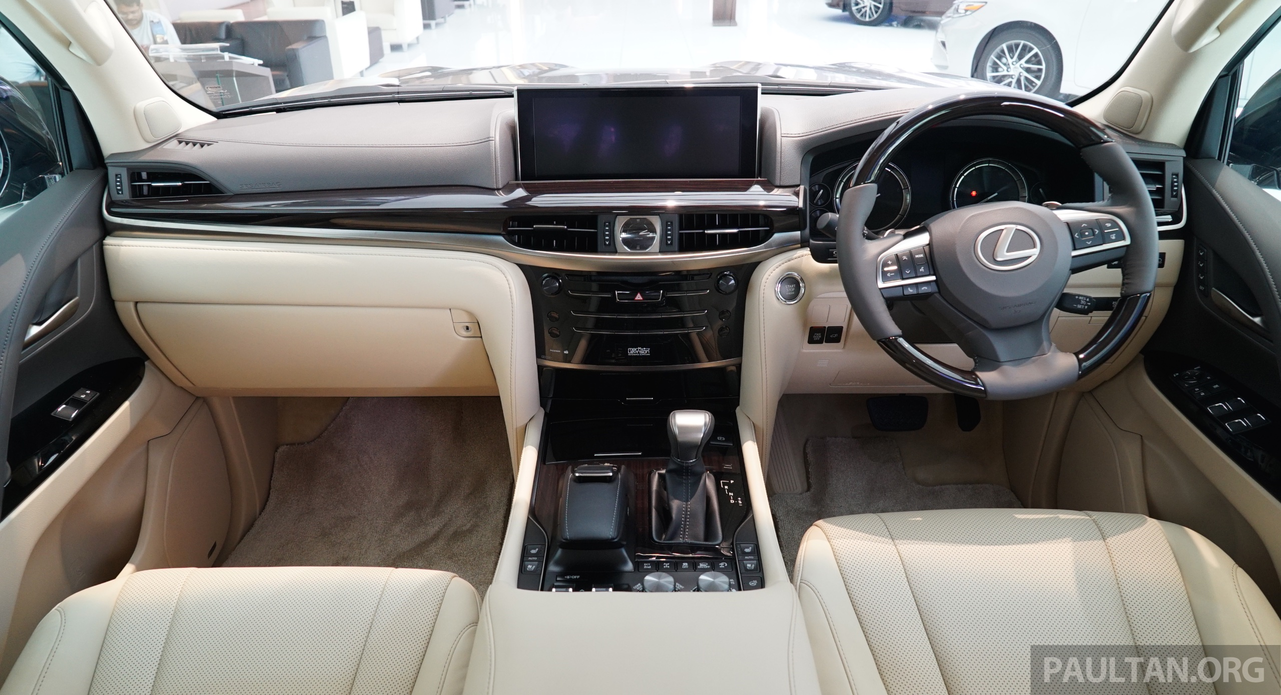 GALLERY: 2016 Lexus LX 570 in Malaysian showroom Image #414984