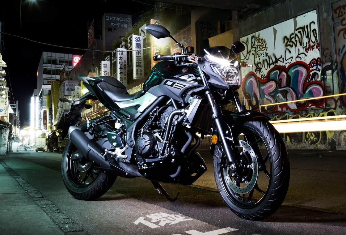 2016 yamaha mt 03 aimed at new and old riders. Black Bedroom Furniture Sets. Home Design Ideas