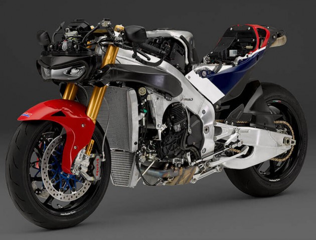 First production Honda RC213V-S handed over to owner