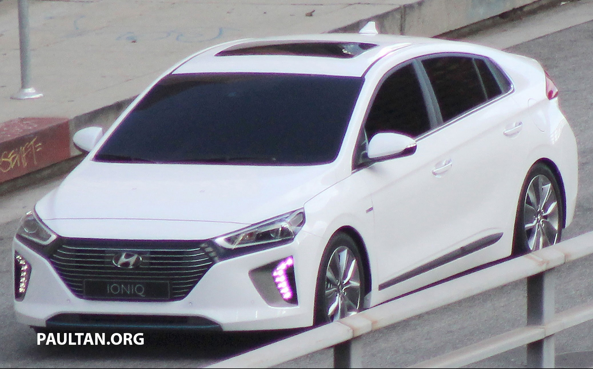 SPIED: Hyundai Ioniq hybrid completely undisguised! Paul ...