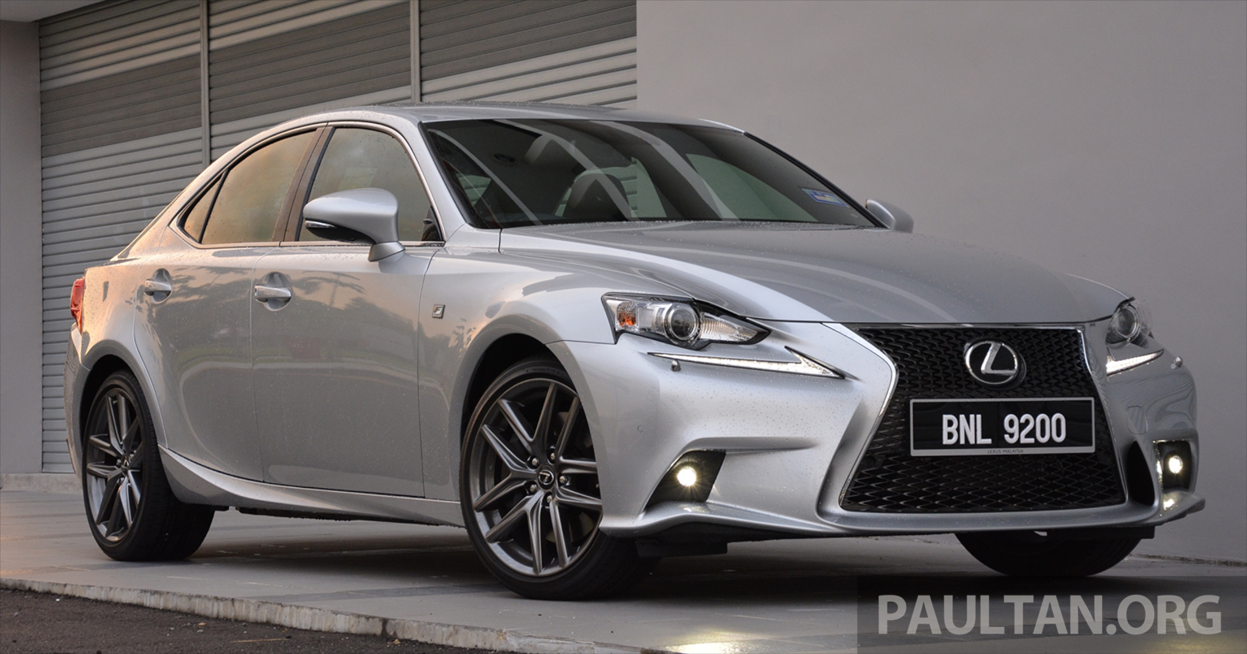 driven lexus is 200t turbo downsized at a price. Black Bedroom Furniture Sets. Home Design Ideas