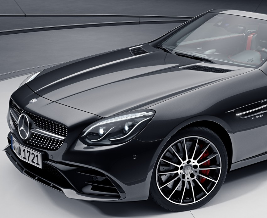Mercedes-Benz SLC with optional Night Package Image #423002