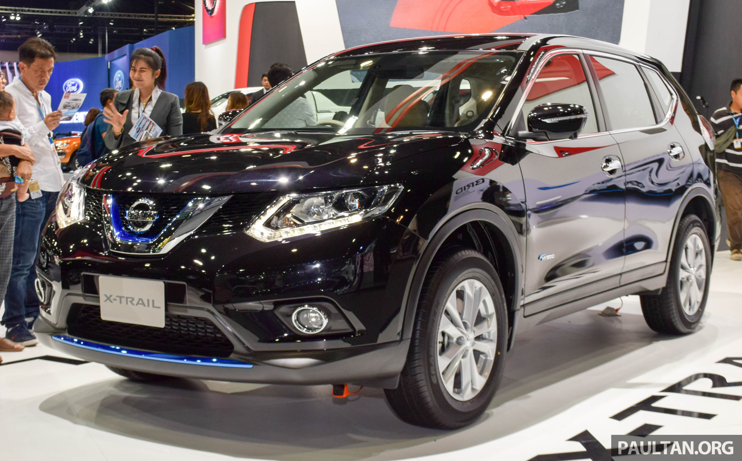 nissan x trail hybrid on show at 2015 thai motor expo. Black Bedroom Furniture Sets. Home Design Ideas