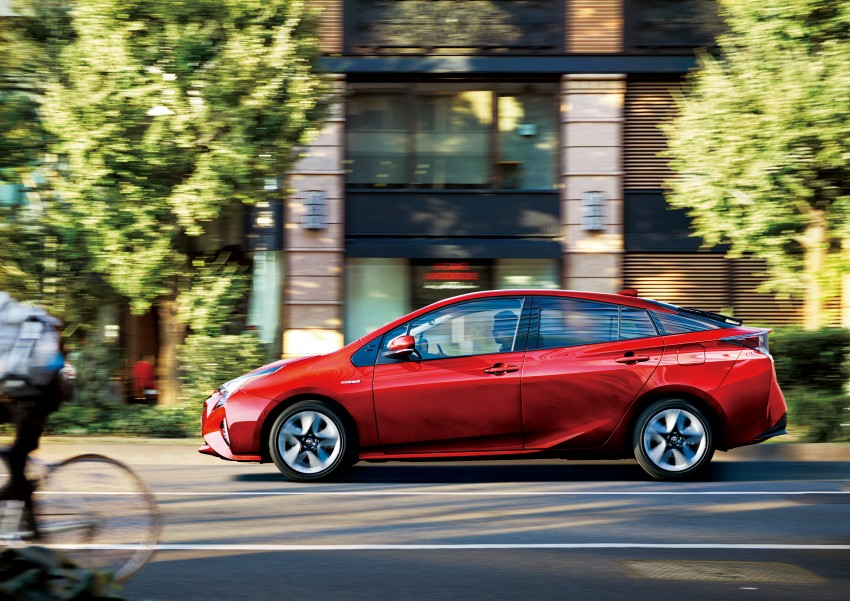 2016 Toyota Prius goes on sale in Japan – 40.8 km/l! Image #418011