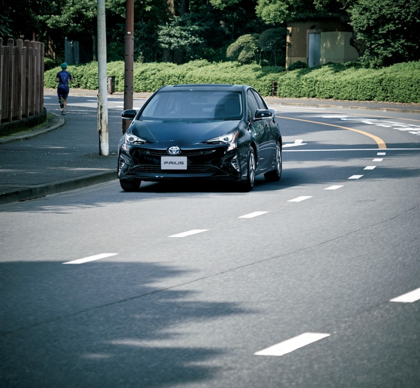2016 Toyota Prius goes on sale in Japan – 40.8 km/l! Image #418032