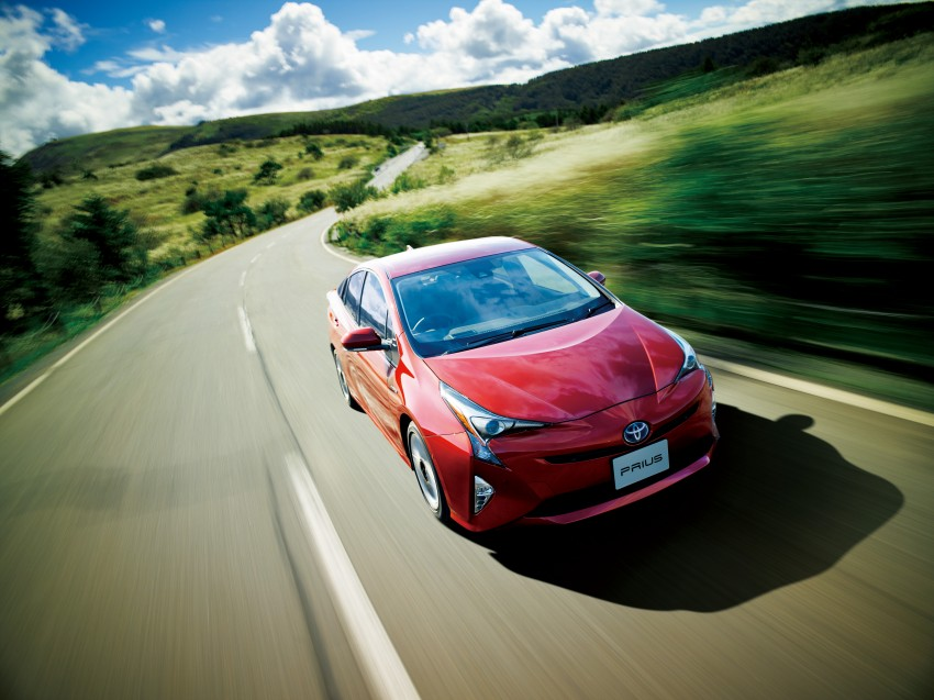 2016 Toyota Prius goes on sale in Japan – 40.8 km/l! Image #418035