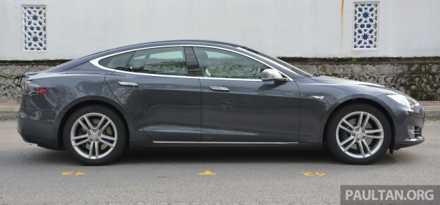 Tesla Model S 85 drive-33
