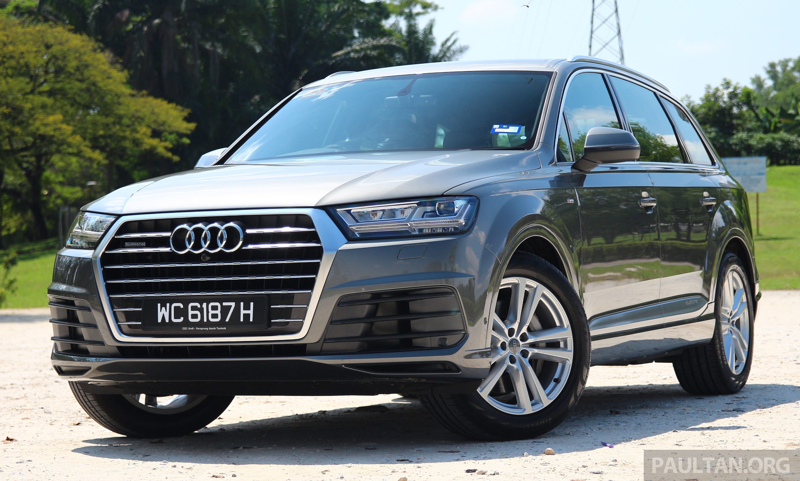 driven 2016 audi q7 3 0 tfsi quattro in malaysia. Black Bedroom Furniture Sets. Home Design Ideas