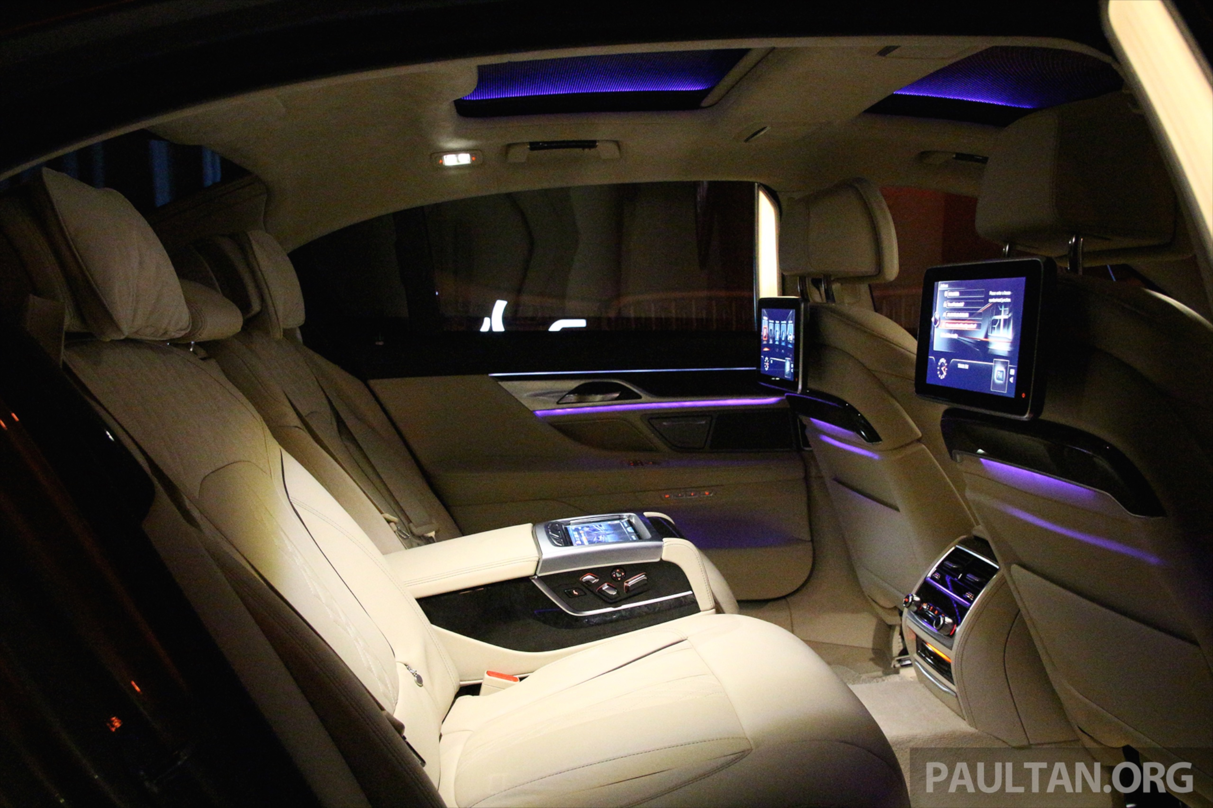 gallery bmw 7 series sky lounge panoramic roof paul tan image 436547. Black Bedroom Furniture Sets. Home Design Ideas