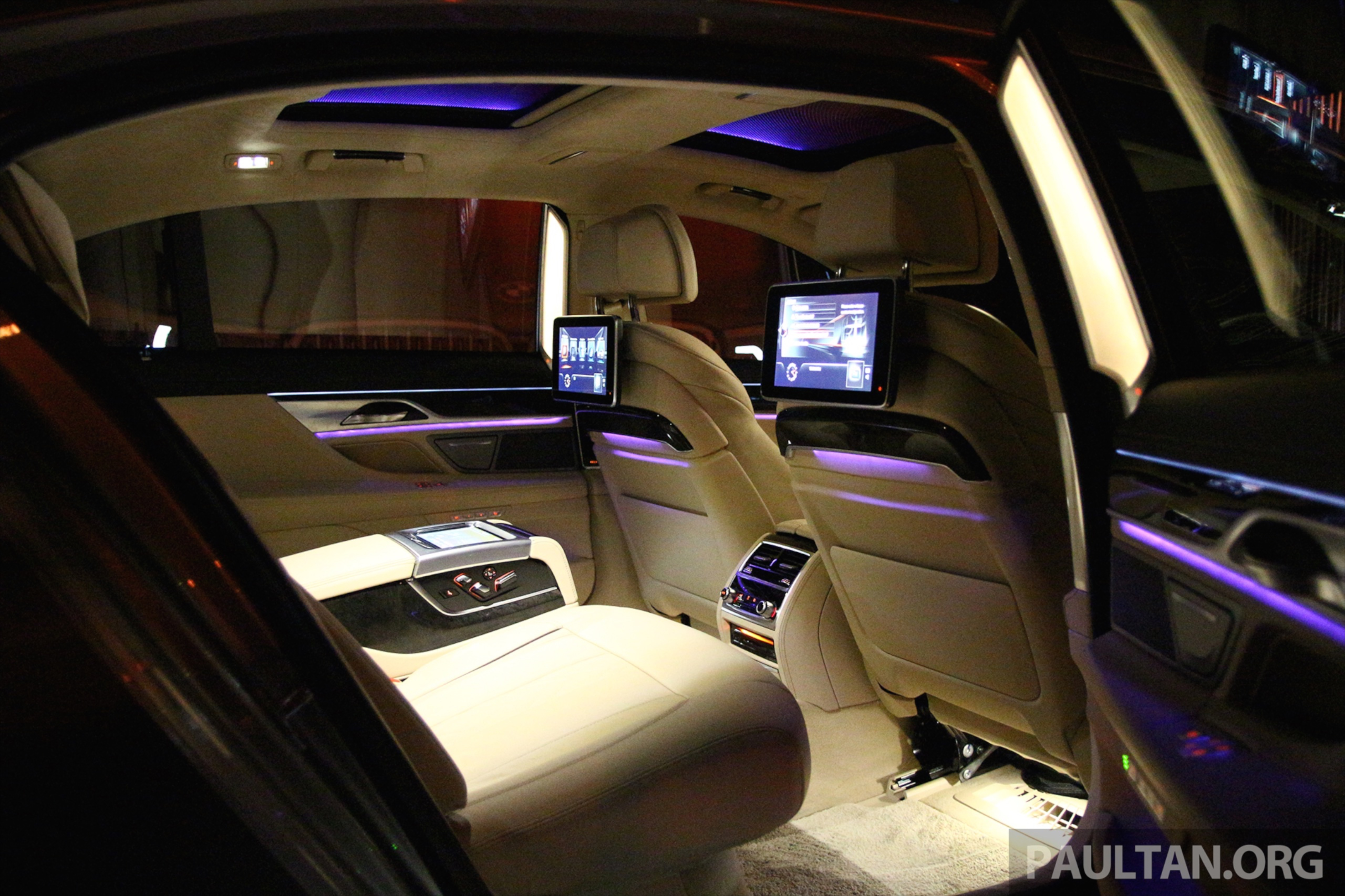 gallery bmw 7 series sky lounge panoramic roof paul tan image 436548. Black Bedroom Furniture Sets. Home Design Ideas