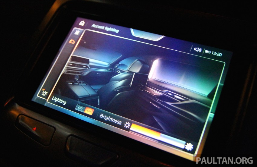 GALLERY: BMW 7 Series Sky Lounge panoramic roof Image #436550