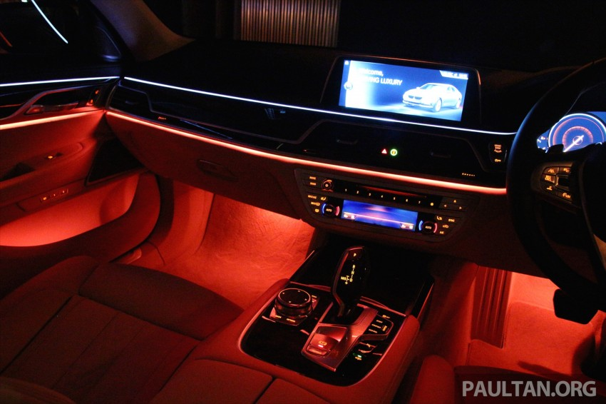 GALLERY: BMW 7 Series Sky Lounge panoramic roof Image #436554