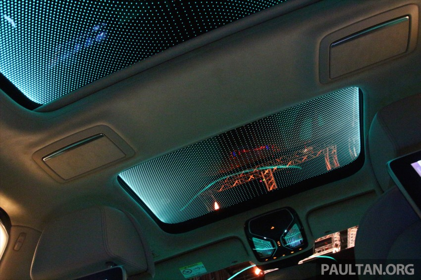 GALLERY: BMW 7 Series Sky Lounge panoramic roof Image #436557